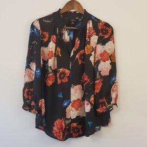 Worthington petite large floral v-neck blouse